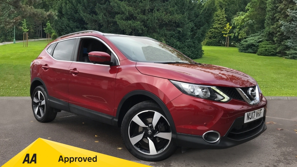 Nissan Qashqai 1.2 DiG-T N-Vision Xtronic Automatic 5 door Hatchback (2017) image