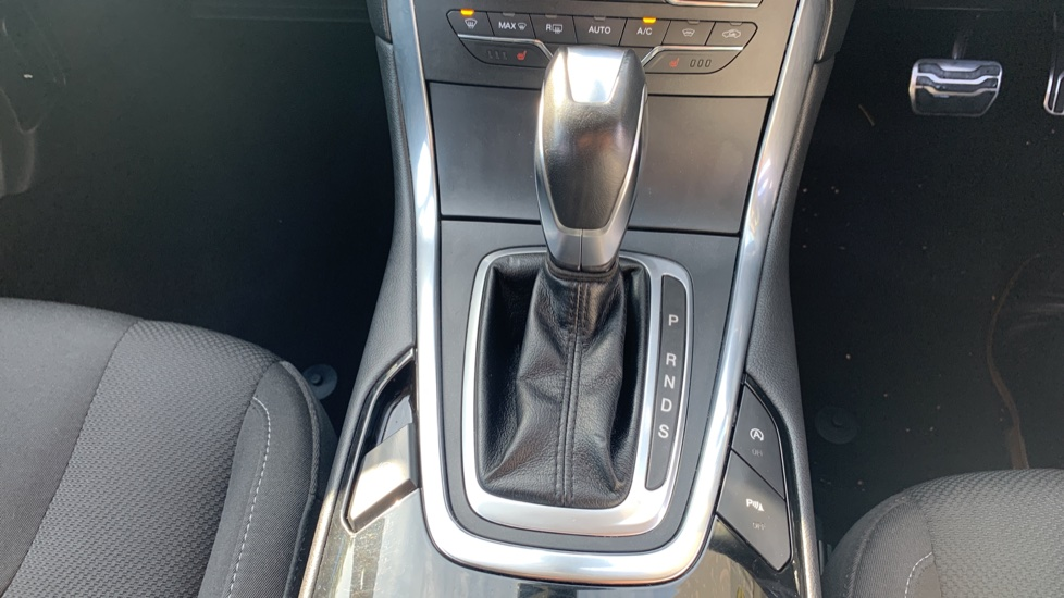 Ford S-MAX 2.0 TDCi 210 Titanium Sport 5dr Powershift image 17
