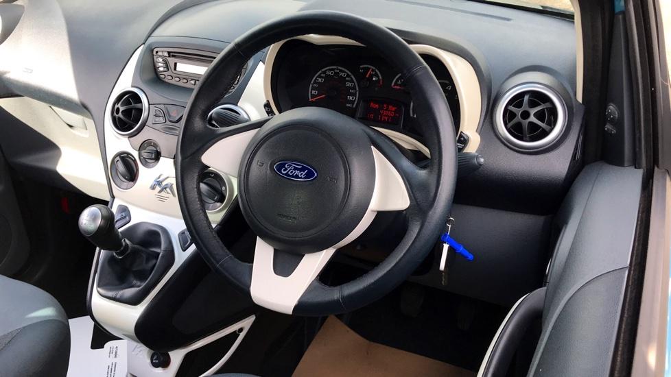 Ford Ka 1.2 Zetec 3dr image 3