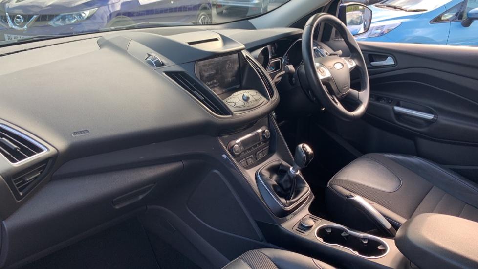 Ford Kuga 1.5 EcoBoost Titanium 2WD image 13