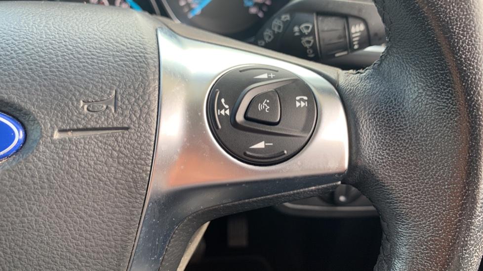 Ford Kuga 1.5 EcoBoost Titanium 2WD image 19