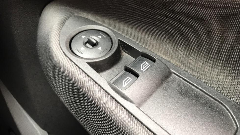 Ford C-MAX 1.0 EcoBoost 125 Zetec [Nav] 5dr image 20