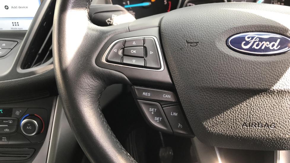 Ford Kuga 1.5 TDCi Zetec 2WD image 18