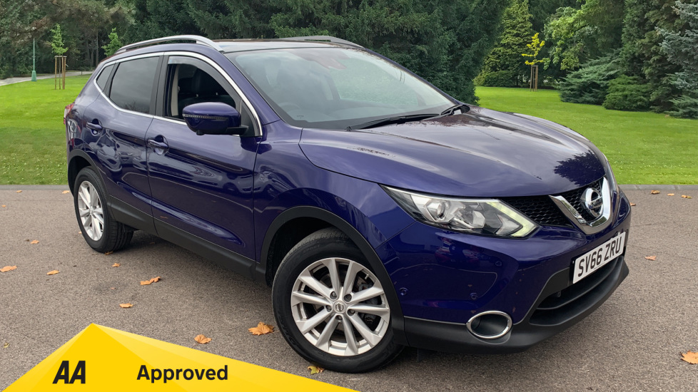 Nissan Qashqai 1.2 DiG-T Tekna [Panoramic] Xtronic Automatic 5 door Hatchback (2016) image