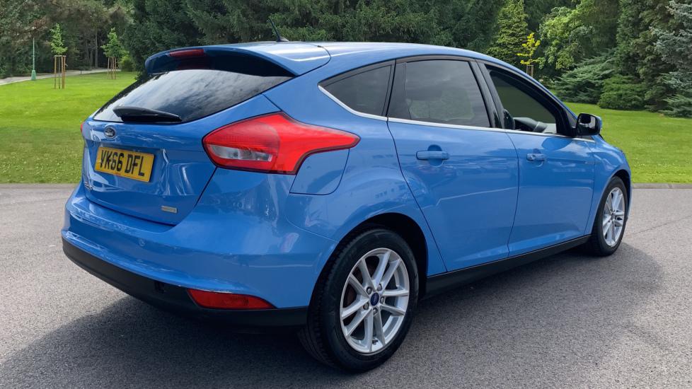 Ford Focus 1.0 EcoBoost 125 Zetec 5dr image 5