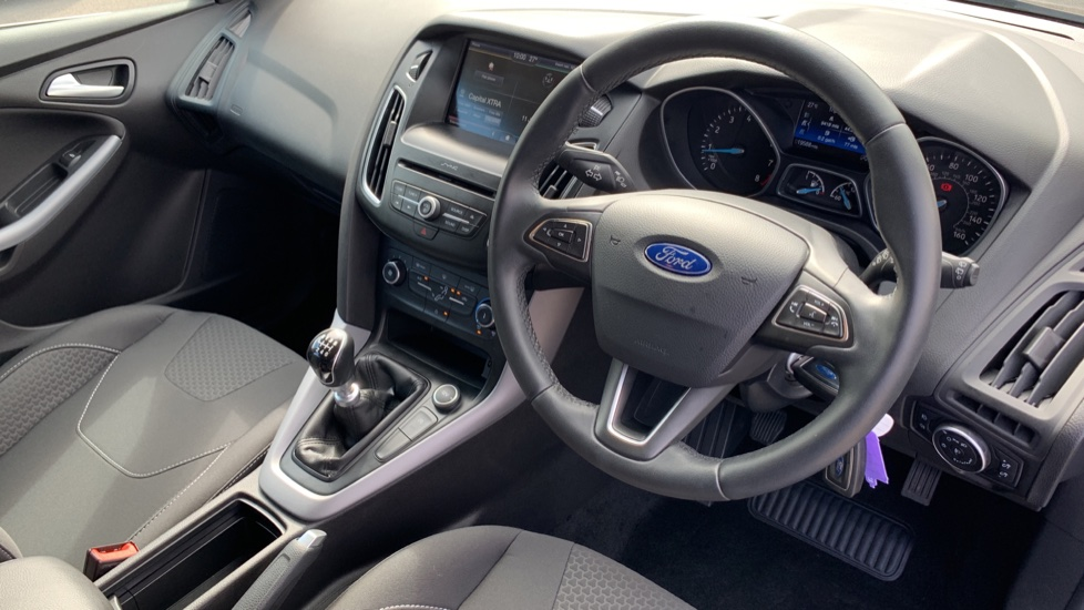 Ford Focus 1.0 EcoBoost 125 Zetec 5dr image 12