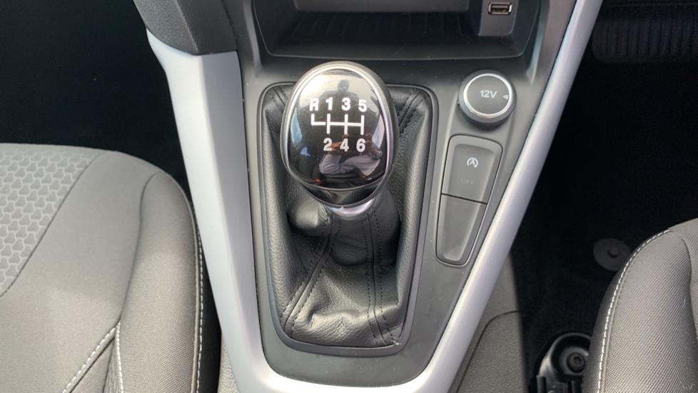 Ford Focus 1.0 EcoBoost 125 Zetec 5dr image 17