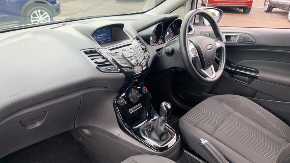 Ford Fiesta 1.0 EcoBoost Zetec 3dr image 13