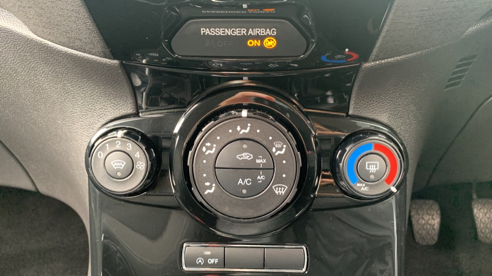 Ford Fiesta 1.0 EcoBoost Zetec 3dr image 16
