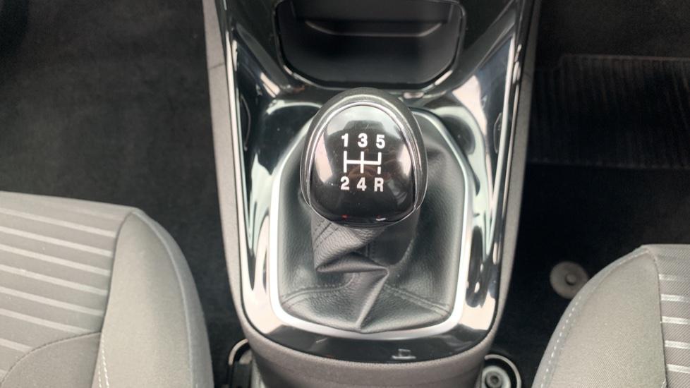 Ford Fiesta 1.0 EcoBoost Zetec 3dr image 17