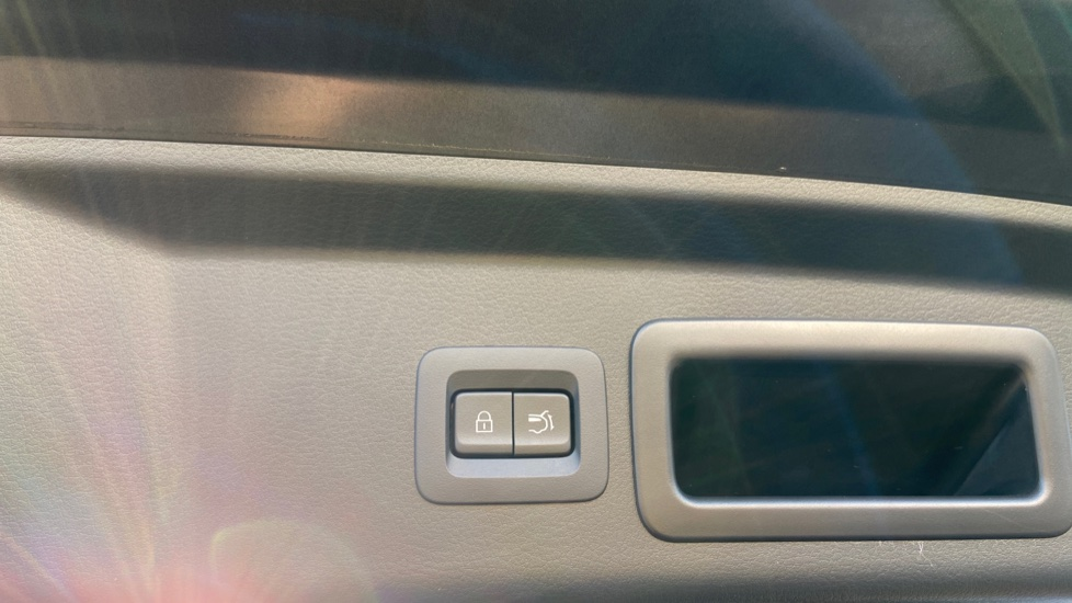 Mazda CX-30 2.0 Skyactiv-X MHEV GT Sport Tech AWD image 11