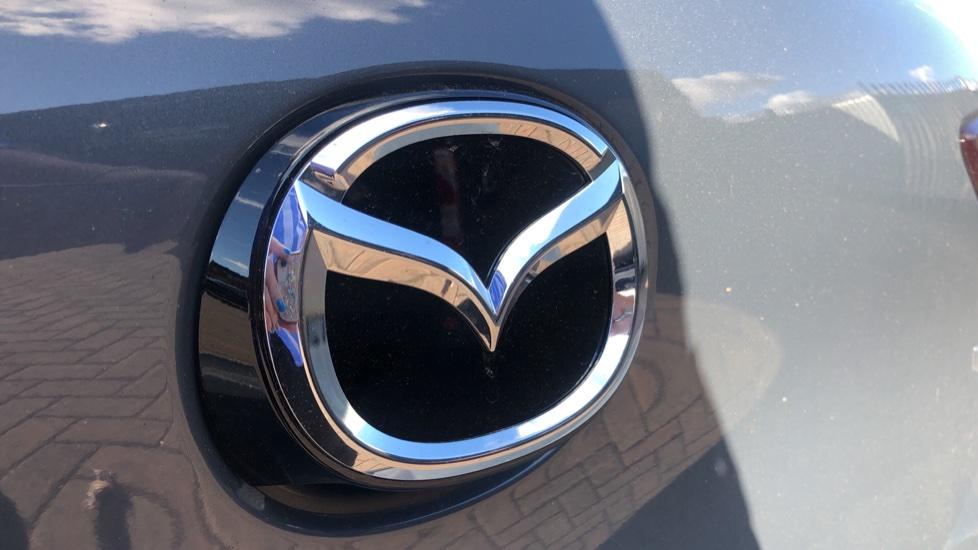 Mazda 3 1.8 Skyactiv-D SE-L Lux 5dr image 11