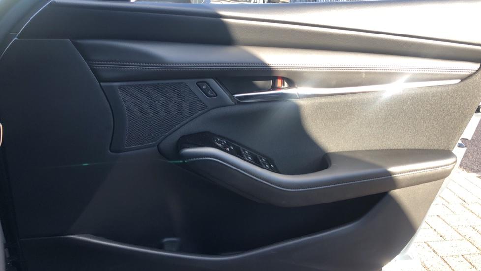 Mazda 3 1.8 Skyactiv-D SE-L Lux 5dr image 16