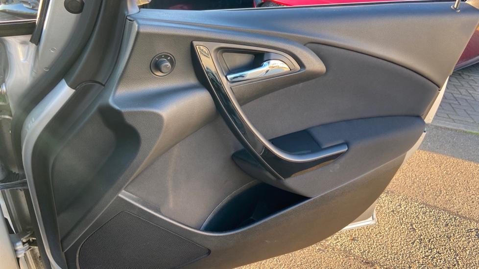 Vauxhall Astra 1.4i 16V Excite 5dr image 15