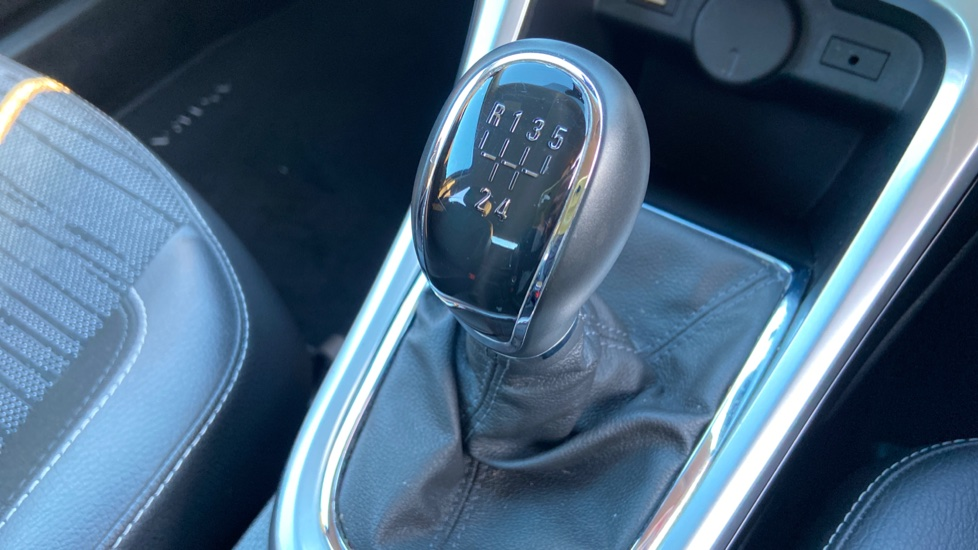 Vauxhall Astra 1.4i 16V Excite 5dr image 25