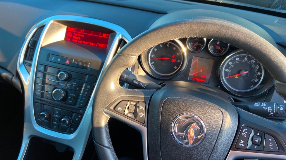 Vauxhall Astra 1.4i 16V Excite 5dr image 28