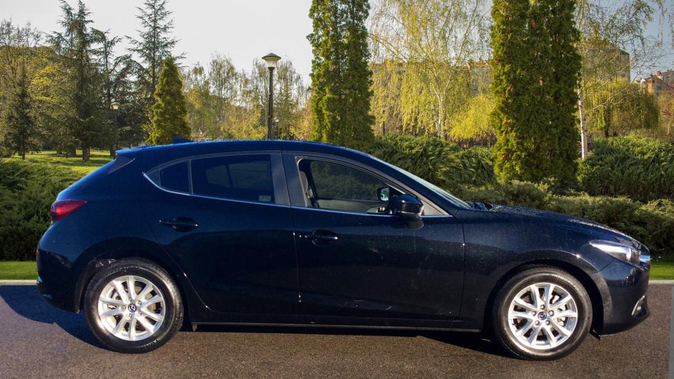 Mazda 3 2.2d SE-L Nav 5dr image 5