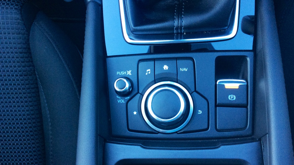 Mazda 3 2.2d SE-L Nav 5dr image 24