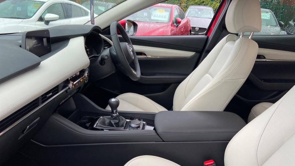 Mazda 3 Fastback 2.0 Skyactiv-X MHEV GT Sport Tech 5dr image 3