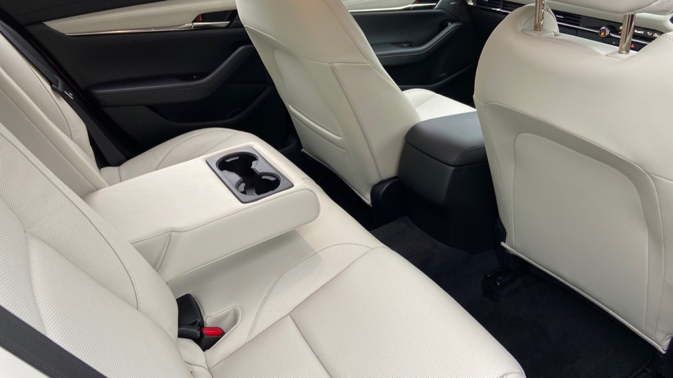Mazda 3 Fastback 2.0 Skyactiv-X MHEV GT Sport Tech 5dr image 17