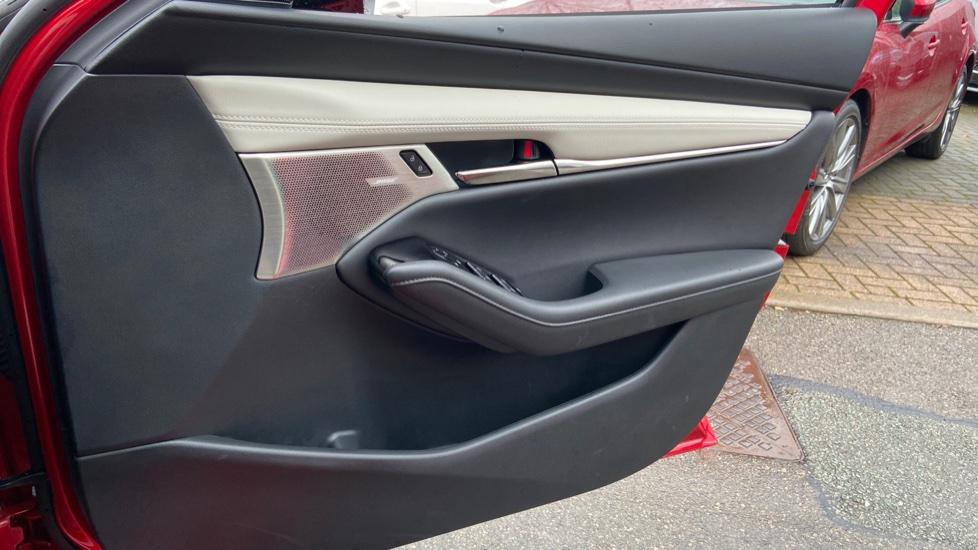 Mazda 3 Fastback 2.0 Skyactiv-X MHEV GT Sport Tech 5dr image 18