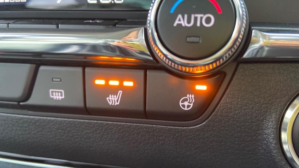 Mazda 3 Fastback 2.0 Skyactiv-X MHEV GT Sport Tech 5dr image 37