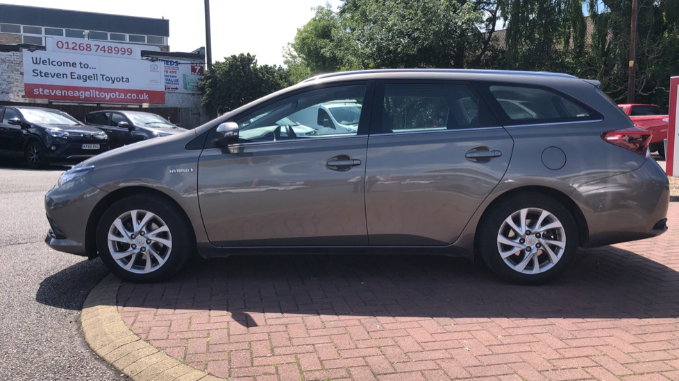 Toyota Auris Hybrid 1 8 VVT-i HSD Icon Tech Touring Sport, Used