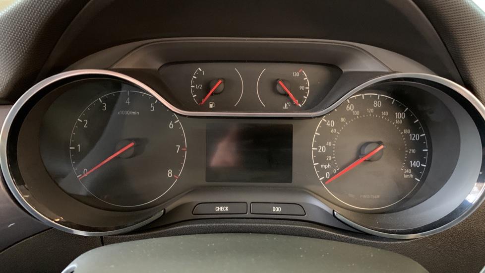 Vauxhall Crossland X 1.2T ecoTec 110 Elite Nav Start Stop image 14