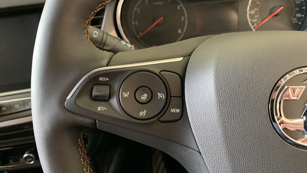 Vauxhall Crossland X 1.2T ecoTec 110 Elite Nav Start Stop image 18