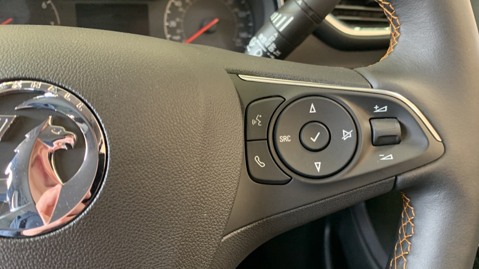 Vauxhall Crossland X 1.2T ecoTec 110 Elite Nav Start Stop image 19