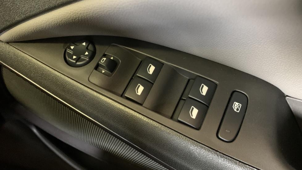 Vauxhall Crossland X 1.2T ecoTec 110 Elite Nav Start Stop image 20