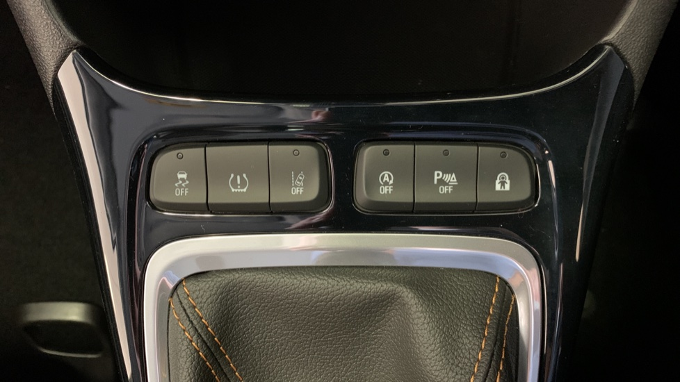 Vauxhall Crossland X 1.2T ecoTec 110 Elite Nav Start Stop image 21