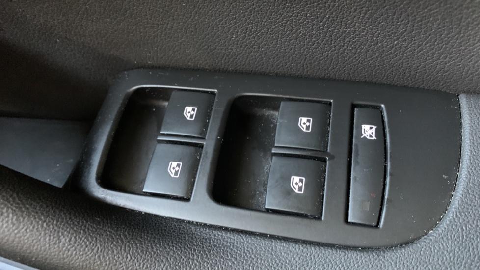 Vauxhall Zafira 1.4T SRi 5dr image 20