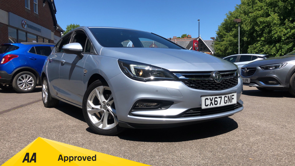 Vauxhall Astra 1.4T 16V 150 SRi 5dr Hatchback (2017) available from Preston Motor Park Fiat and Volvo thumbnail image