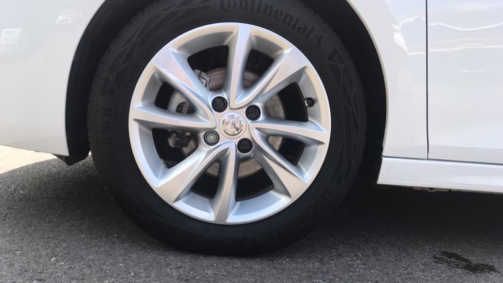 Vauxhall Corsa 1.2 SE Nav 5dr image 8