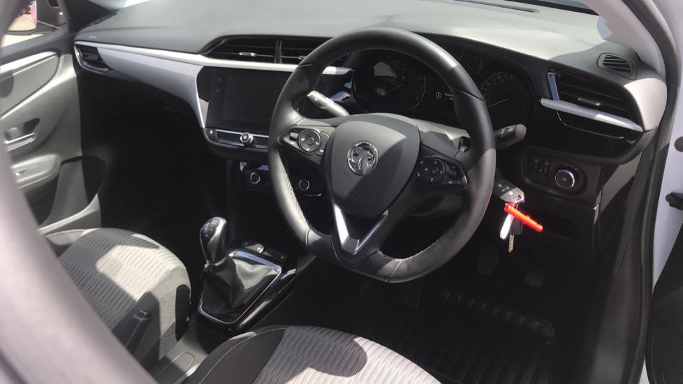 Vauxhall Corsa 1.2 SE Nav 5dr image 12
