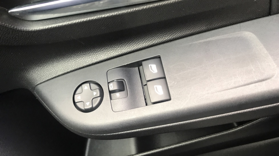 Vauxhall Corsa 1.2 SE Nav 5dr image 20