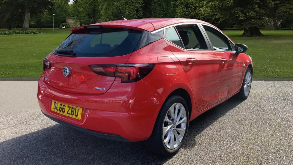 Vauxhall Astra 1.4T 16V 125 Design 5dr image 5
