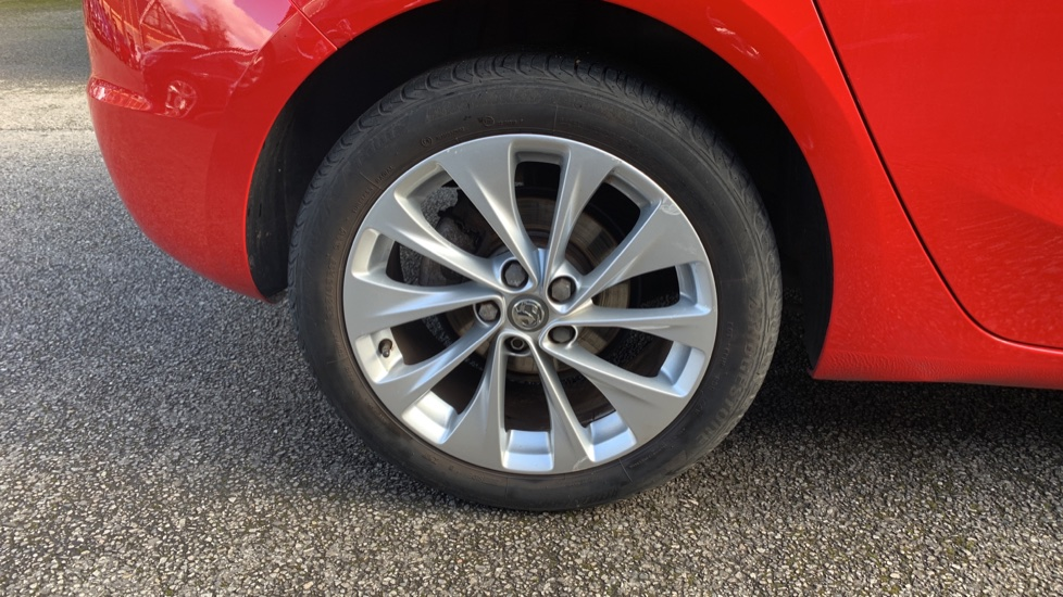 Vauxhall Astra 1.4T 16V 125 Design 5dr image 8