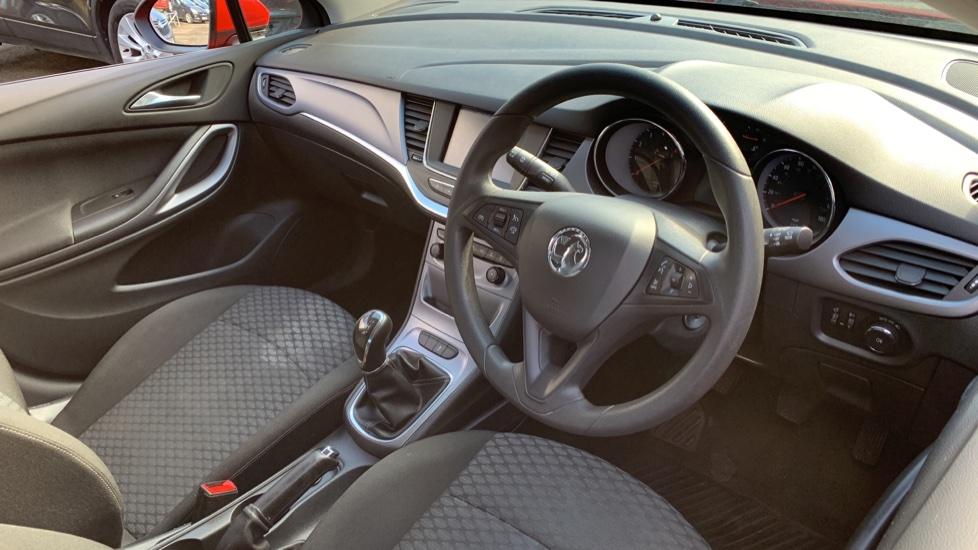 Vauxhall Astra 1.4T 16V 125 Design 5dr image 12