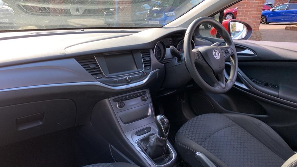 Vauxhall Astra 1.4T 16V 125 Design 5dr image 13