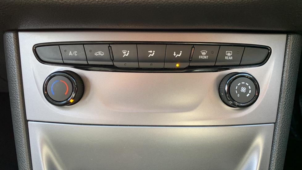 Vauxhall Astra 1.4T 16V 125 Design 5dr image 16