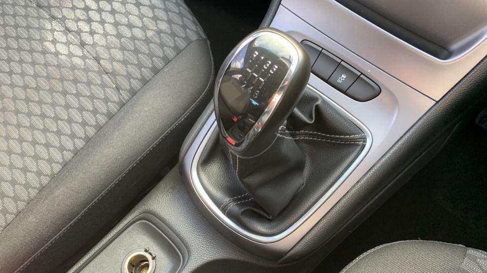 Vauxhall Astra 1.4T 16V 125 Design 5dr image 17