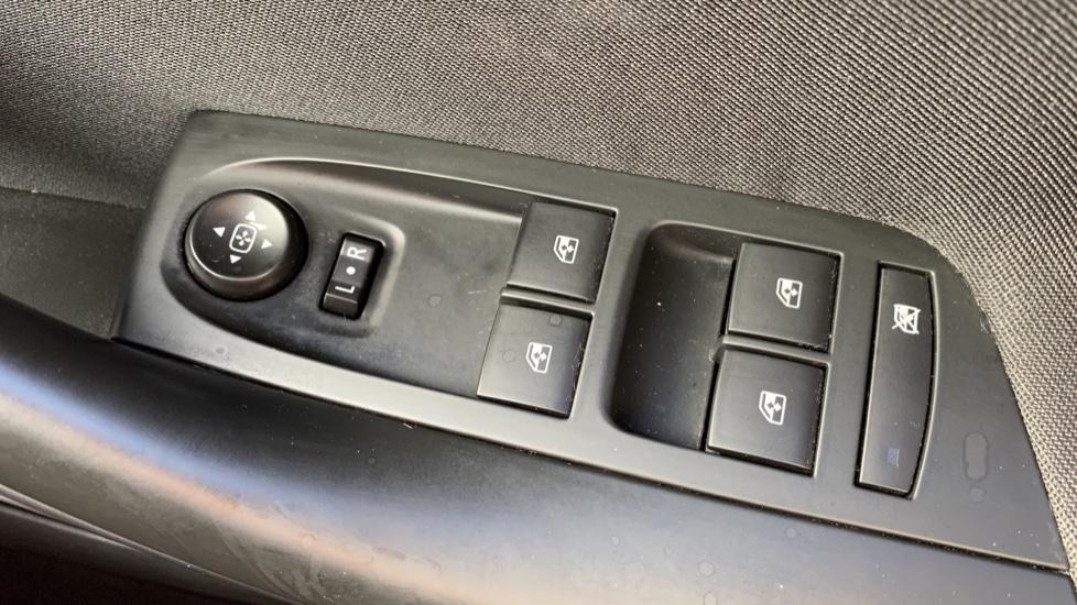 Vauxhall Astra 1.4T 16V 125 Design 5dr image 20