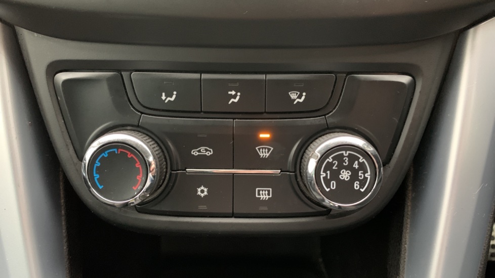 Vauxhall Zafira 1.4T SRi Nav 5dr image 16