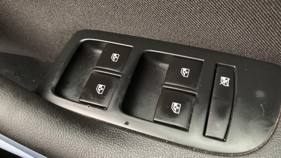 Vauxhall Zafira 1.4T SRi Nav 5dr image 20