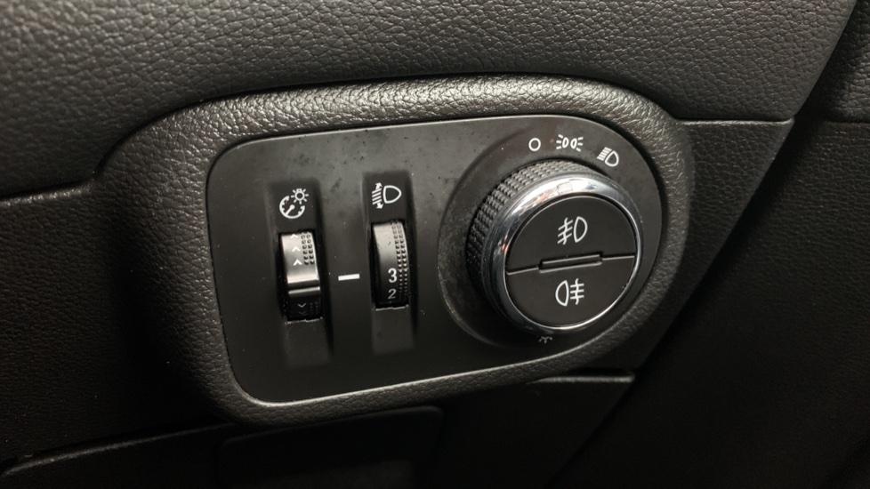 Vauxhall Zafira 1.4T SRi Nav 5dr image 23