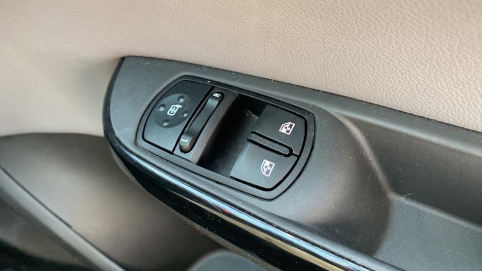 Vauxhall Corsa 1.4 SE image 20