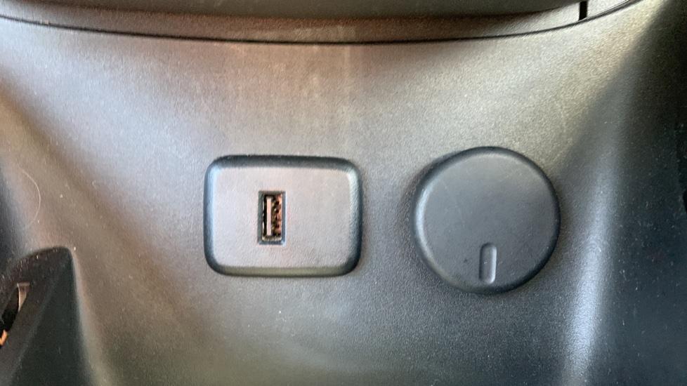 Vauxhall Corsa 1.4 SE image 21