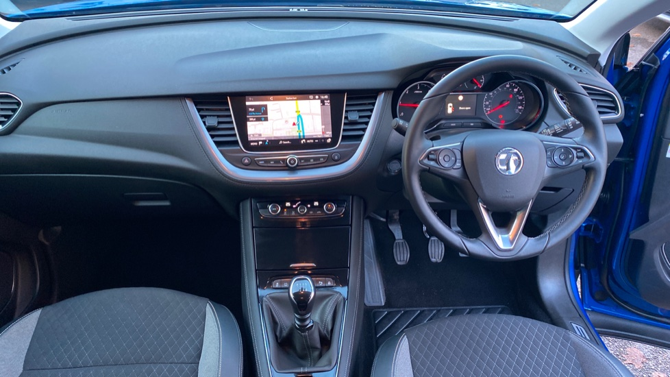 Vauxhall Grandland X 1.6 Turbo D Sport Nav 5dr image 11